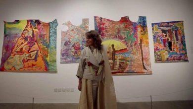 """صورة اطلاق اسم الفنانة التشكيلية """"منيرة موصلي"""" على إحدى دور العرض في السعودية"""