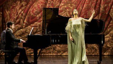 صورة المصرية فرح الديباني تفوز بجائزة أفضل مغنية صاعدة من أوبرا باريس