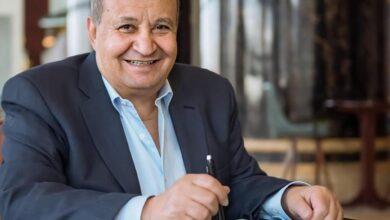 صورة مهرجان القاهرة السينمائي يكرم وحيد حامد بجائزة الهرم الذهبي التقديرية