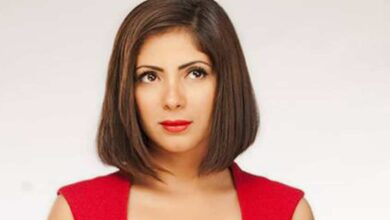 صورة تكريم منى زكي في مهرجان القاهرة السينمائي 42