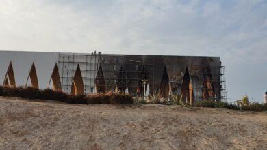 """صورة انفراد بالصور والفيديو.. صيانة قاعة """"الجونة"""" بعد الحريق"""